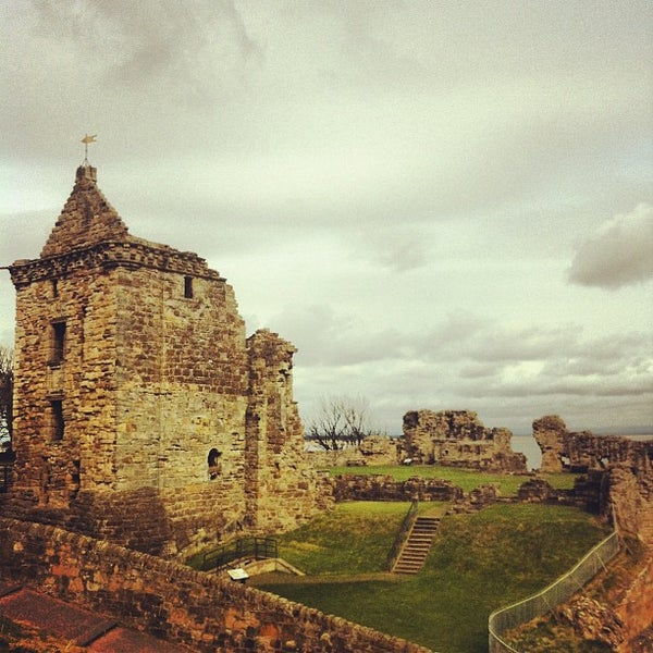 Where's Good? Holiday and vacation recommendations for St. Andrews, United Kingdom. What's good to see, when's good to go and how's best to get there.