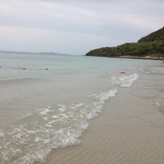 Photo taken at หาดทรายแก้ว (Sai Keaw Beach) by phatcharaporn p. on 5/31/2012