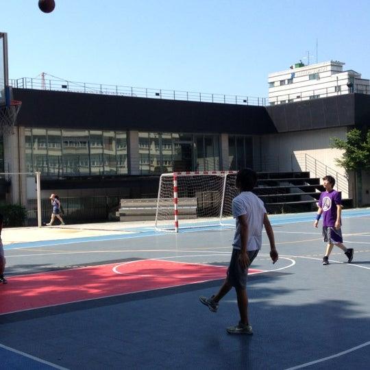 Photo taken at 현대고등학교 by Matthew Wonsuk K. on 7/7/2012