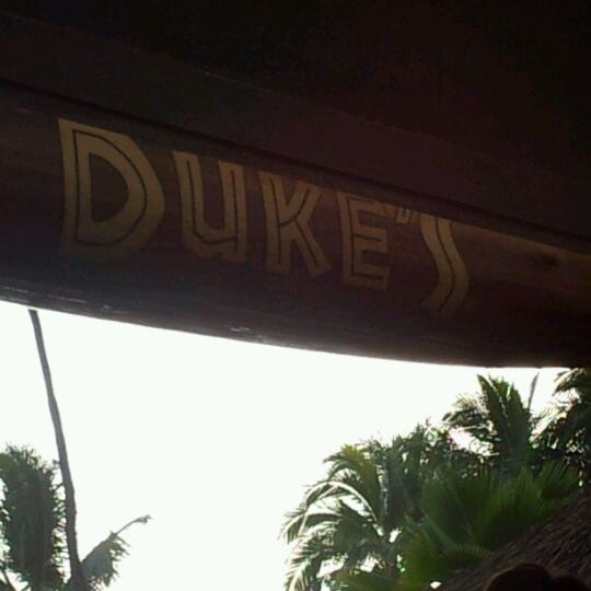Photo taken at Duke's Waikiki by Jessica G. on 5/6/2012