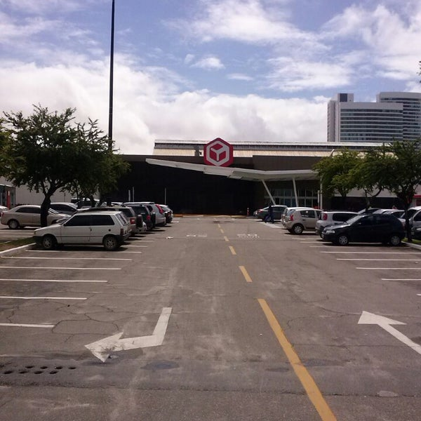Photo taken at Shopping Recife by Hugo Medeiros on 7/26/2013