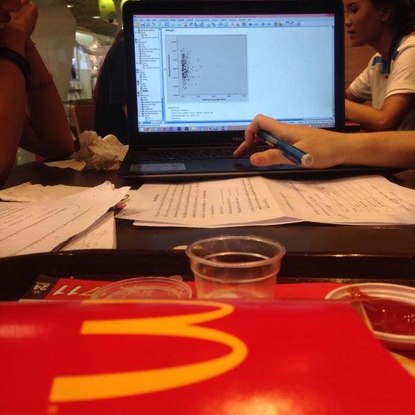 Photo taken at McDonald's by Vachira J. on 4/27/2016