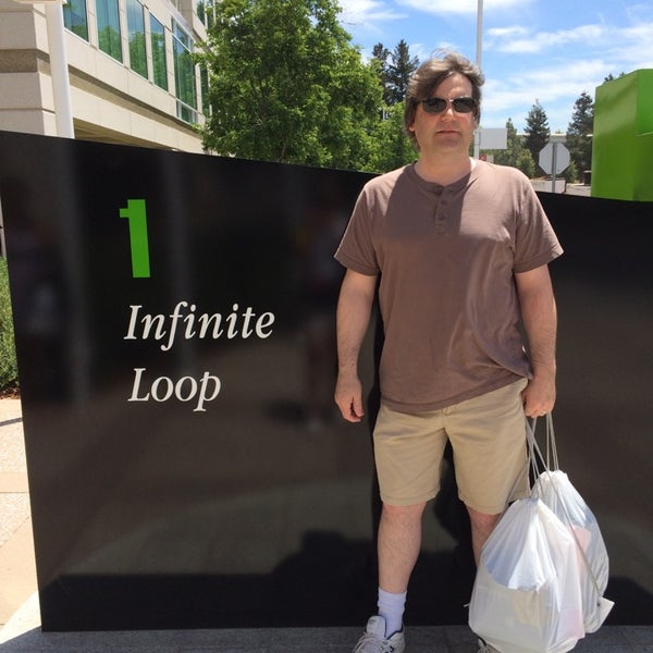 Photo taken at Apple Inc. by Rich R. on 7/10/2014