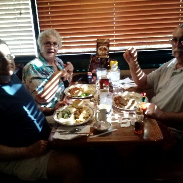 Photo taken at Gilbert Black Bear Diner by Darline C. on 5/28/2014