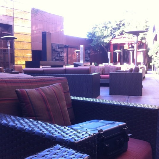 Photo taken at Marriott Marina Del Rey by Phuong on 9/30/2012