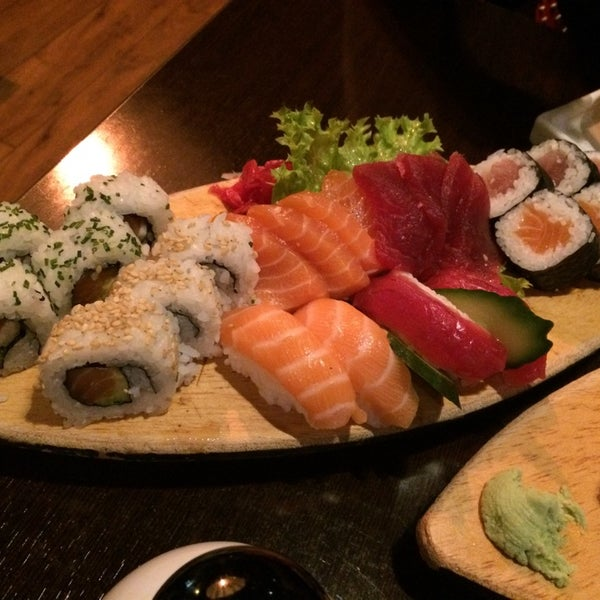 Photo taken at Sushi Club by Thomas L. on 11/30/2014