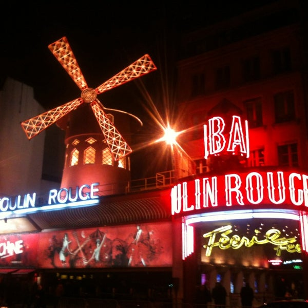 Photo taken at Moulin Rouge by Pallieter D. on 4/4/2013