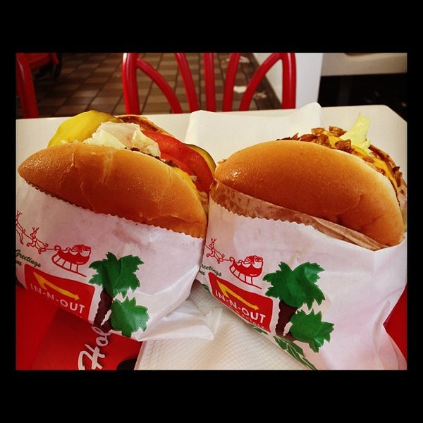 Photo taken at In-N-Out Burger by Michael R. on 12/4/2012