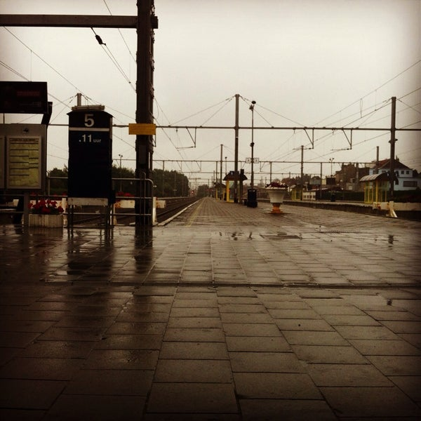 Photo taken at Station Blankenberge by Maxime D. on 9/9/2013