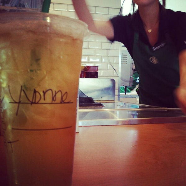 Photo taken at Starbucks by Yvonne M. on 9/29/2013