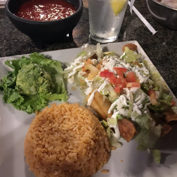 Photo taken at Mexi-Go Bar & Grill by James L. on 8/3/2016