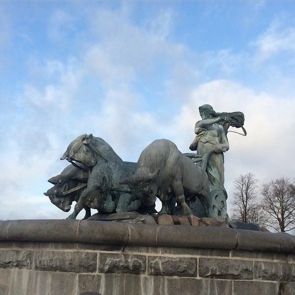 Photo taken at Gefionspringvandet (Gefion Fountain) by ⚓Capt. C. on 12/21/2014
