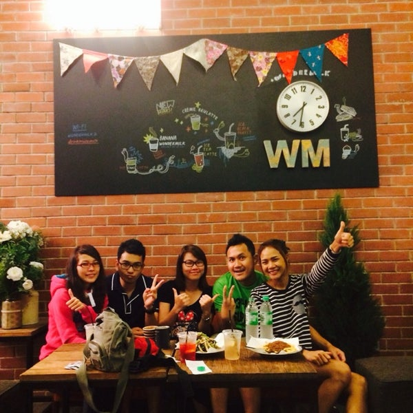 Photo taken at Wonder Milk Cupcakes by Subhawat K. on 2/9/2014