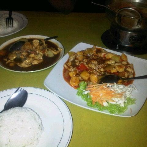 Photo taken at Phuket Thai Resto by yohanes n. on 8/12/2013