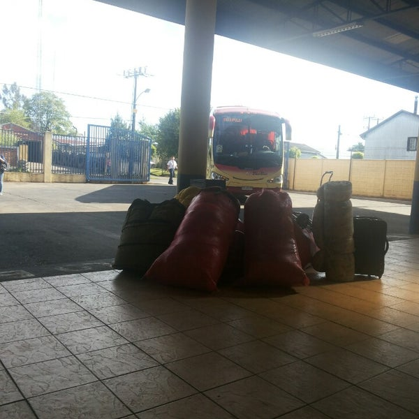 Photo taken at Terminal Buses Bio Bio Victoria by Matias A. on 11/13/2013
