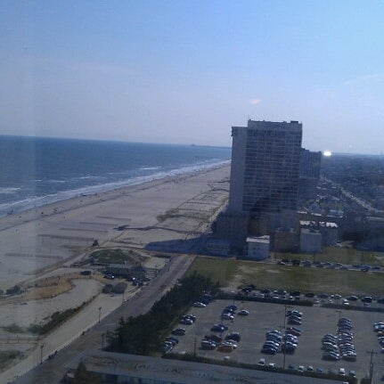 Photo taken at Atlantic Club Casino Hotel by Francis G. on 8/2/2012