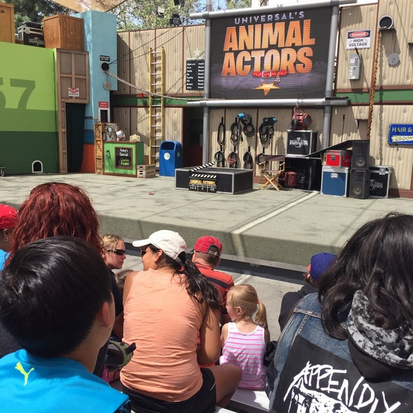Photo taken at Universal's Animal Actors by Wu Y. on 4/14/2016