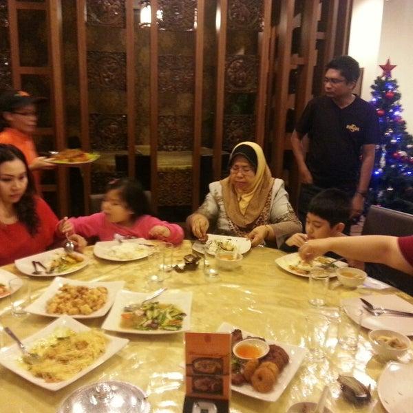 Photo taken at Soul Thai Restaurant by Haizum A. on 12/5/2013