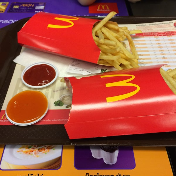 Photo taken at McDonald's (แมคโดนัลด์) by Mayy. on 3/6/2015