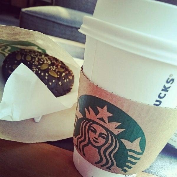 Photo taken at Starbucks (สตาร์บัคส์) by Yaya M. on 3/2/2015