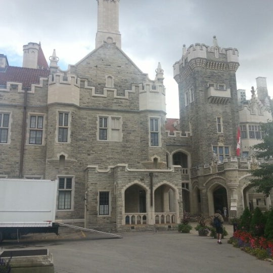 Photo taken at Casa Loma by Mauricio T. on 9/23/2012