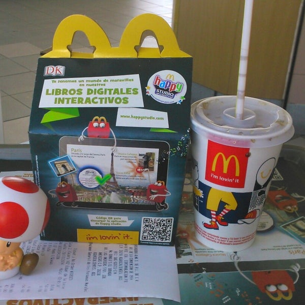 Photo taken at McDonald's by Jeanet H. on 11/29/2014