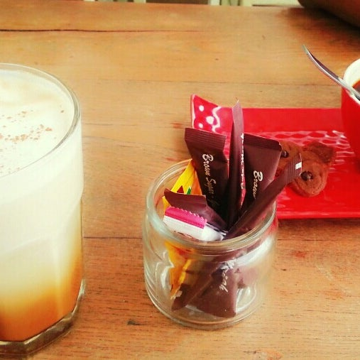 Photo taken at Java Bean by CameliAndini - Miss Red on 1/5/2014
