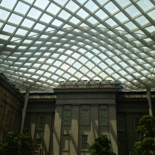 Photo taken at National Portrait Gallery by Stewi D. on 5/31/2012