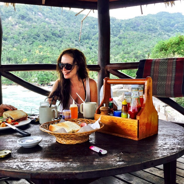 Where's Good? Holiday and vacation recommendations for Koh Pha Ngan, Thailand. What's good to see, when's good to go and how's best to get there.