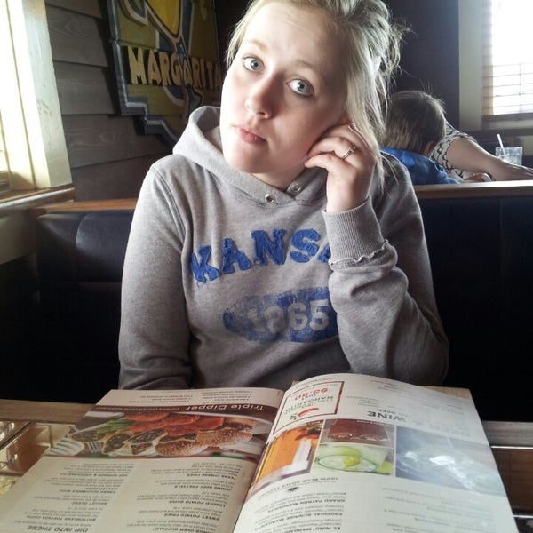 Photo taken at Chili's Grill & Bar - Closed by Carissa P. on 3/17/2014