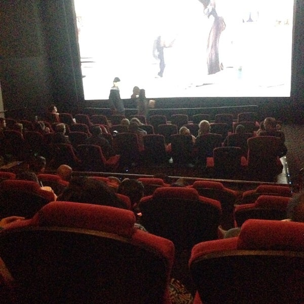 Photo taken at AMC Fashion Valley 18 by Alanoud on 11/21/2014