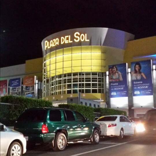 Plaza del sol centros isla shopping mall for Eventos plaza del sol