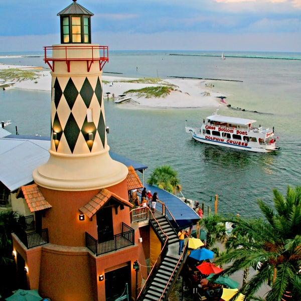 Destin Fl: Harry T's Lighthouse