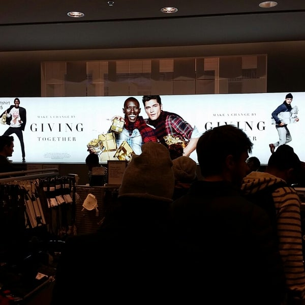 """Photo taken at H&M by Keith """"Smitty"""" S. on 12/15/2014"""