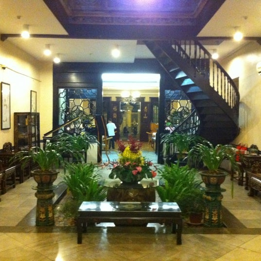 Photo taken at Hotel Puri by Jeff E. on 11/26/2012