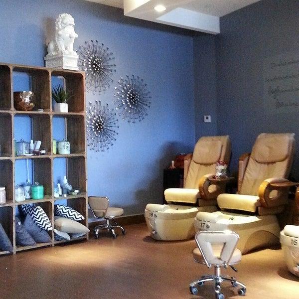 Nail lounge 10 tips for 20 lounge nail salon