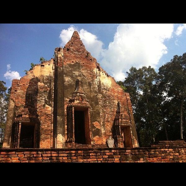 Photo taken at วัดโพธิ์ประทับช้าง by Phuket S. on 11/16/2012