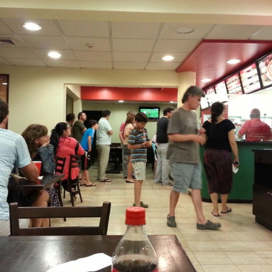 Photo taken at Papa John's by Flavio M. on 1/2/2013