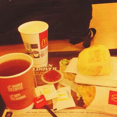 Photo taken at McDonald's by Izzu A. on 7/31/2015