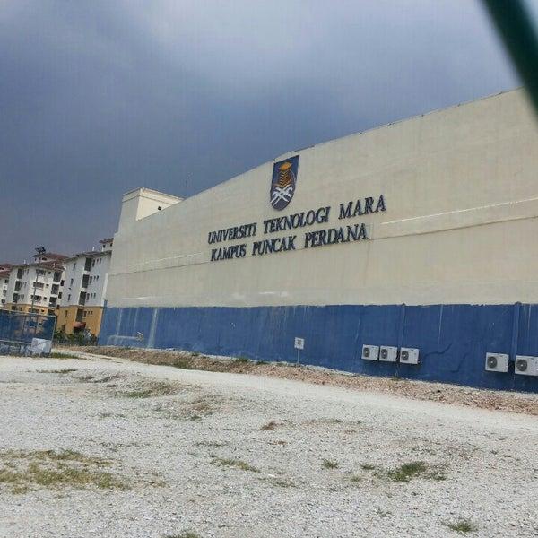 Photo taken at UiTM Puncak Perdana by Siti Nur Nadhirah N. on 7/11/2015