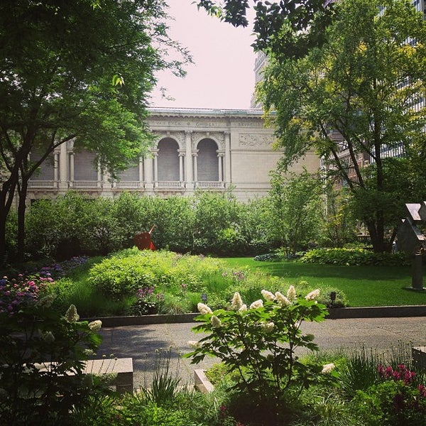 Photo taken at Sculpture Garden - Art Institute of Chicago by Sol V. on 7/4/2013