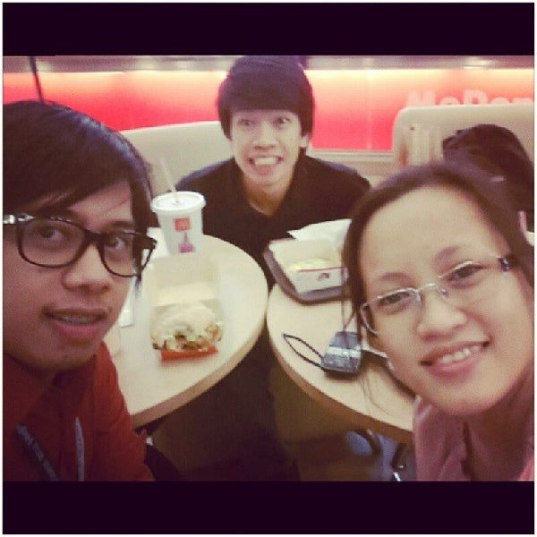 Photo taken at McDonald's by Reur M. on 10/1/2013