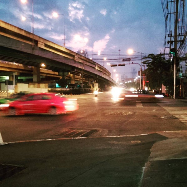Photo taken at Sutthisan Intersection by Panupong C. on 12/2/2015