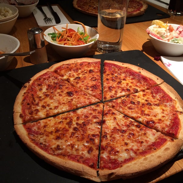 Pizza Hut - - Rated based on Reviews
