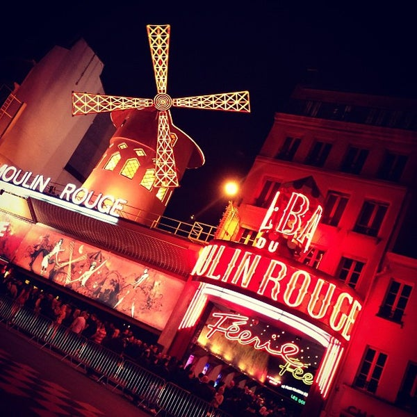 Photo taken at Moulin Rouge by Inna S. on 4/21/2013