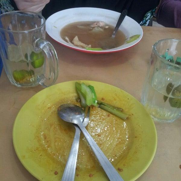 Photo taken at Restoran Victory by Nurul Jannah M. on 3/22/2013