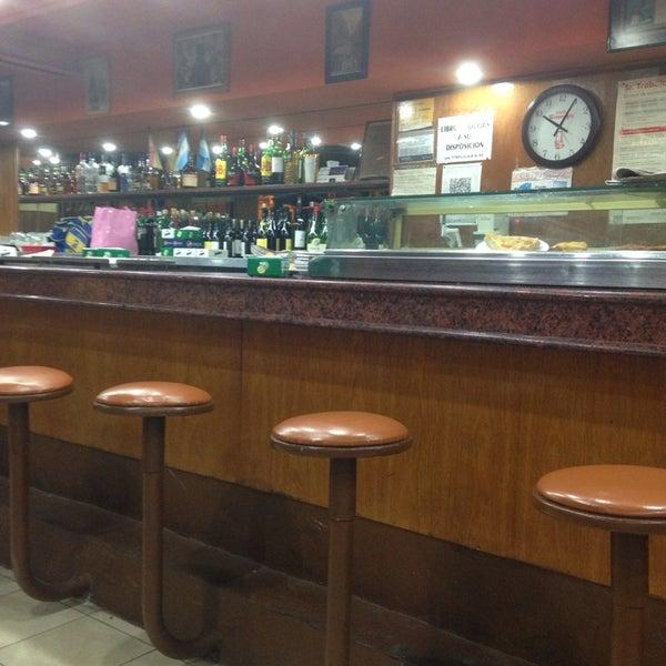 Foto tomada en Café Bar Pichín por Sebastian el 2/27/2014