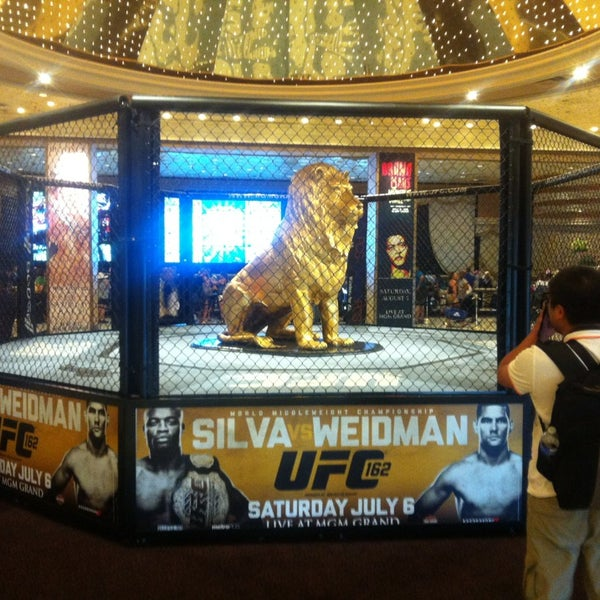 Photo taken at MGM Grand Hotel & Casino by Cesar S. on 5/31/2013