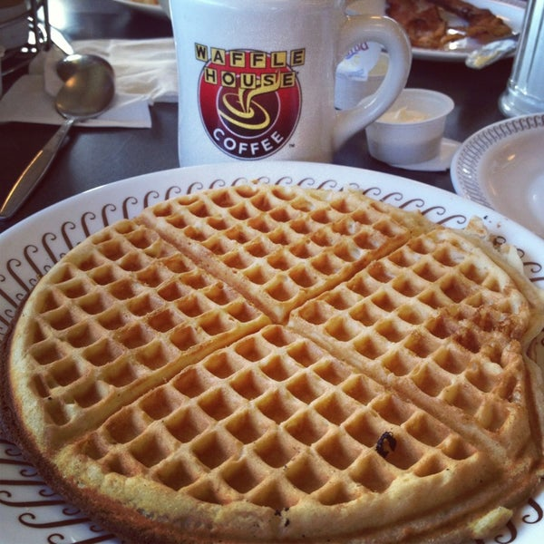 Photo taken at Waffle House by Tish M. on 7/23/2013