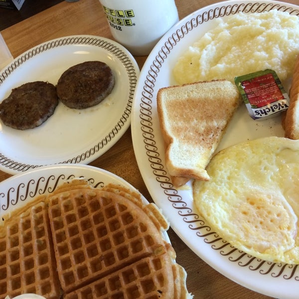 Photo taken at Waffle House by Sara C. on 4/26/2014